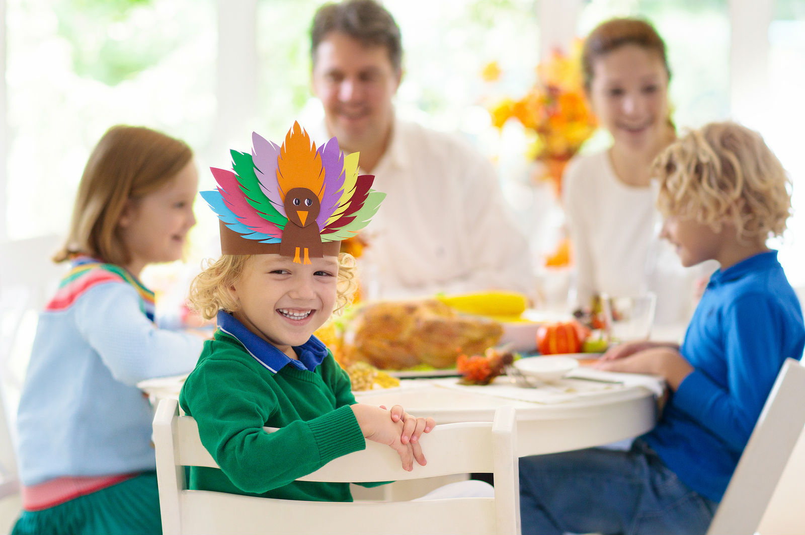 3 Ways to Keep the Kids Entertained During Dinner This Thanksgiving